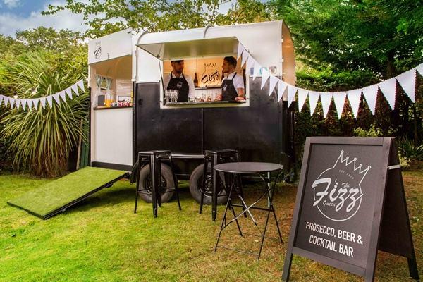 the fizz queen mobile bar